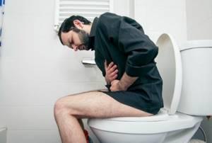 Понос желчью: насколько опасен и что делать при его появлении